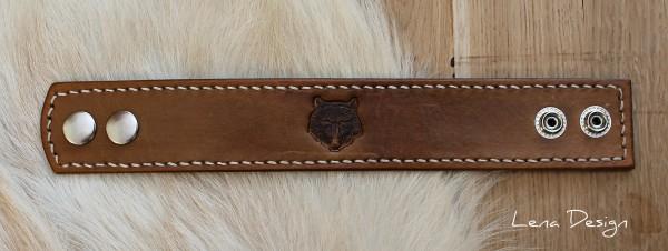kožený náramok s vlkom