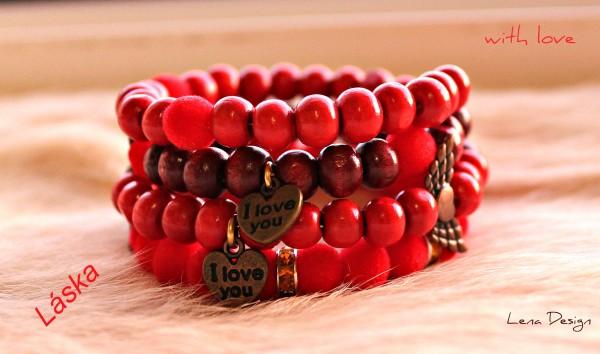 červený náramok láska